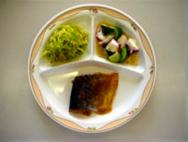 さばの味噌煮・たこときゅうりのサラダ・即席漬け